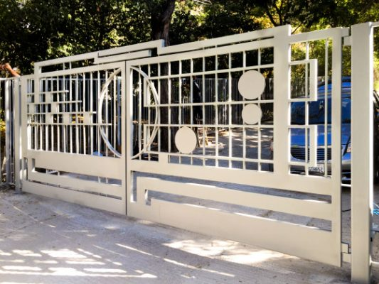 Stainless steel driveway gate