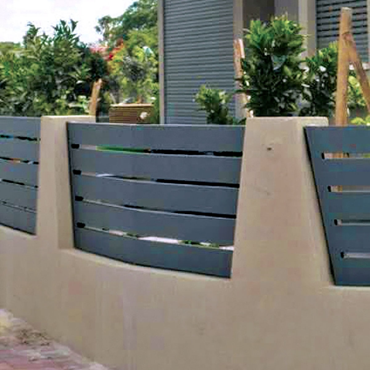 Specialty aluminum curved fence