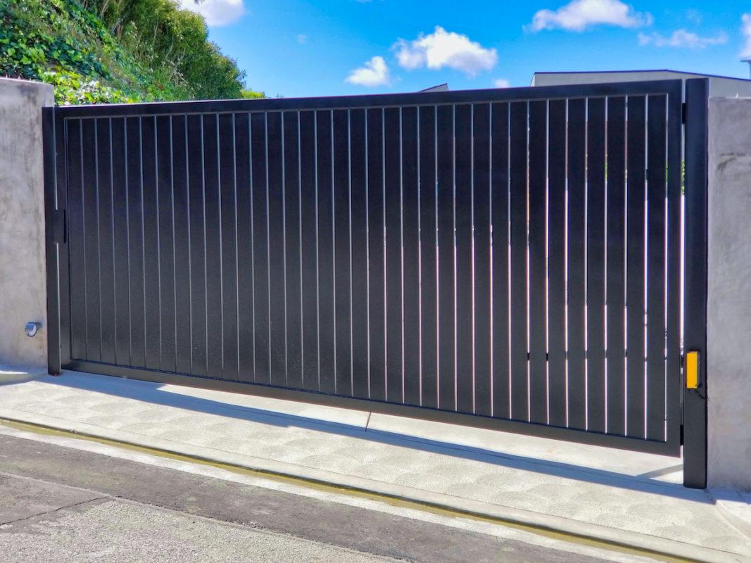 Vertical profile 24 driveway gate