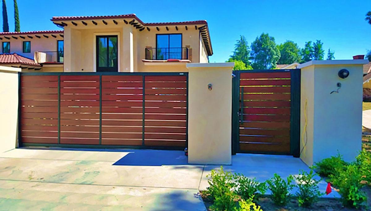 Woodlike aluminum driveway and entry gates