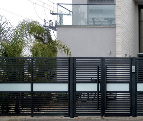 Aluminum and glass fence
