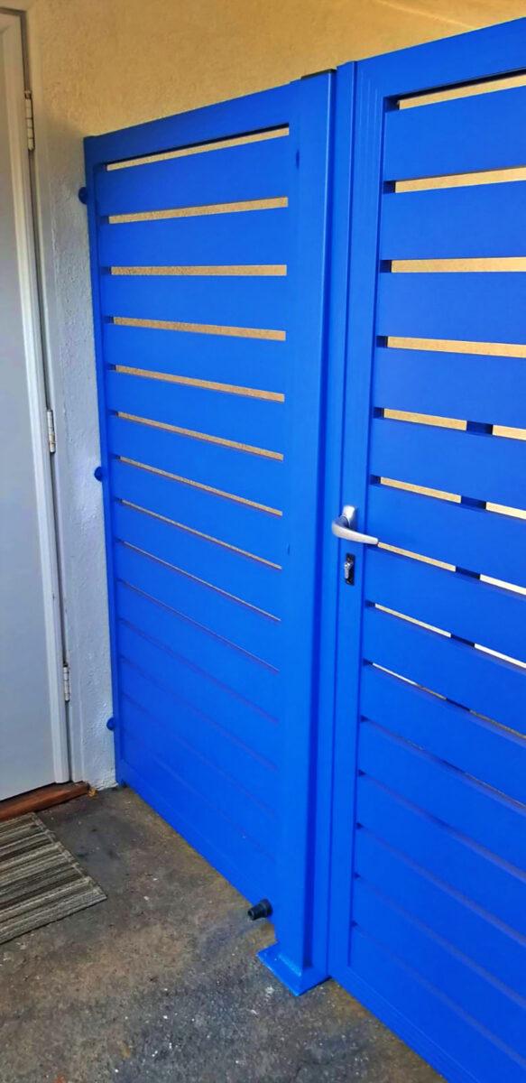 Blue aluminum side entry gate