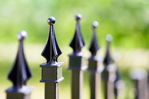 aluminum fence looks like wrought iron