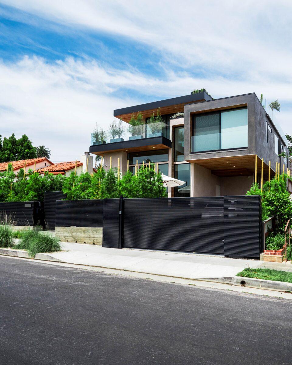 Hi-Tech Aluminum Gate - Mulholland Brand - Home Installation