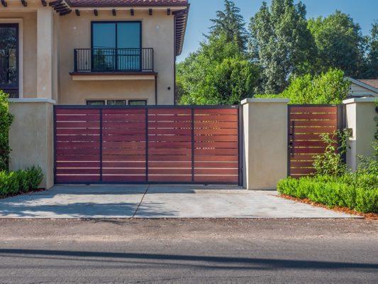 Wood-like aluminum driveway gates